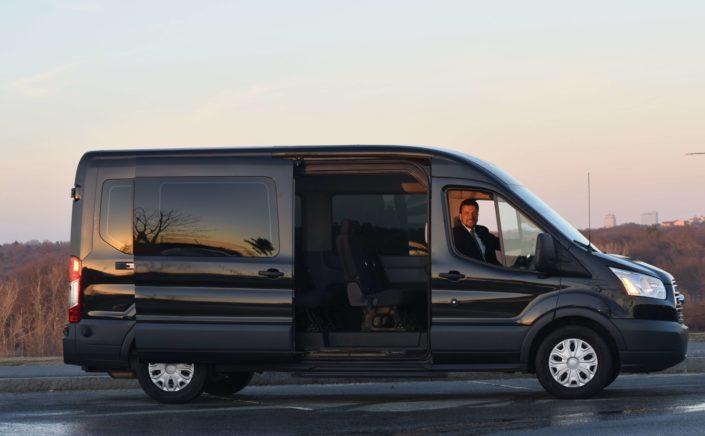 van_bus_group_transportation_boston_weston_wellesley_needham_newton_tour_tourguide_corporate_conference_transportation_limo_service