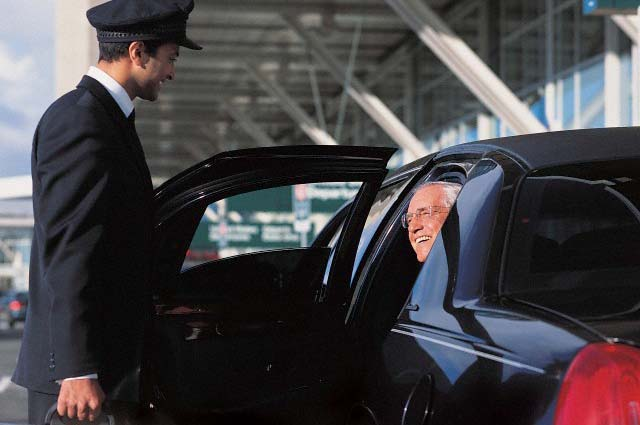 Limo Service to Logan Airport